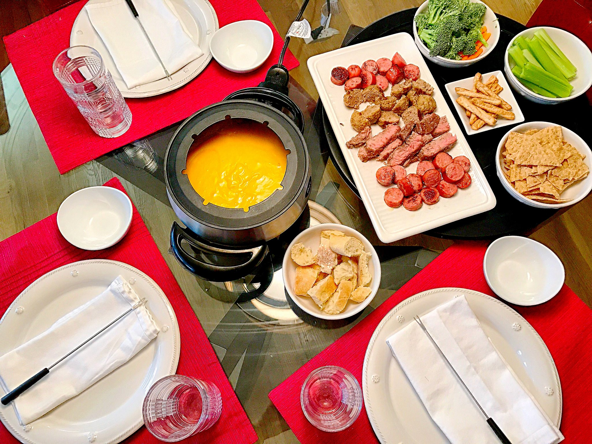 Cheese Fondue, fondue, i love fondue, steak and cheese fondue, table, valentine's day fondu