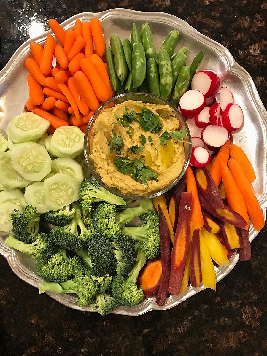 Hummus, basil hummus, hummus dip, dip, basil, vegetables, veggie plate, veggie appetizers, veggie appetizer, appetizer, healthy appetizer