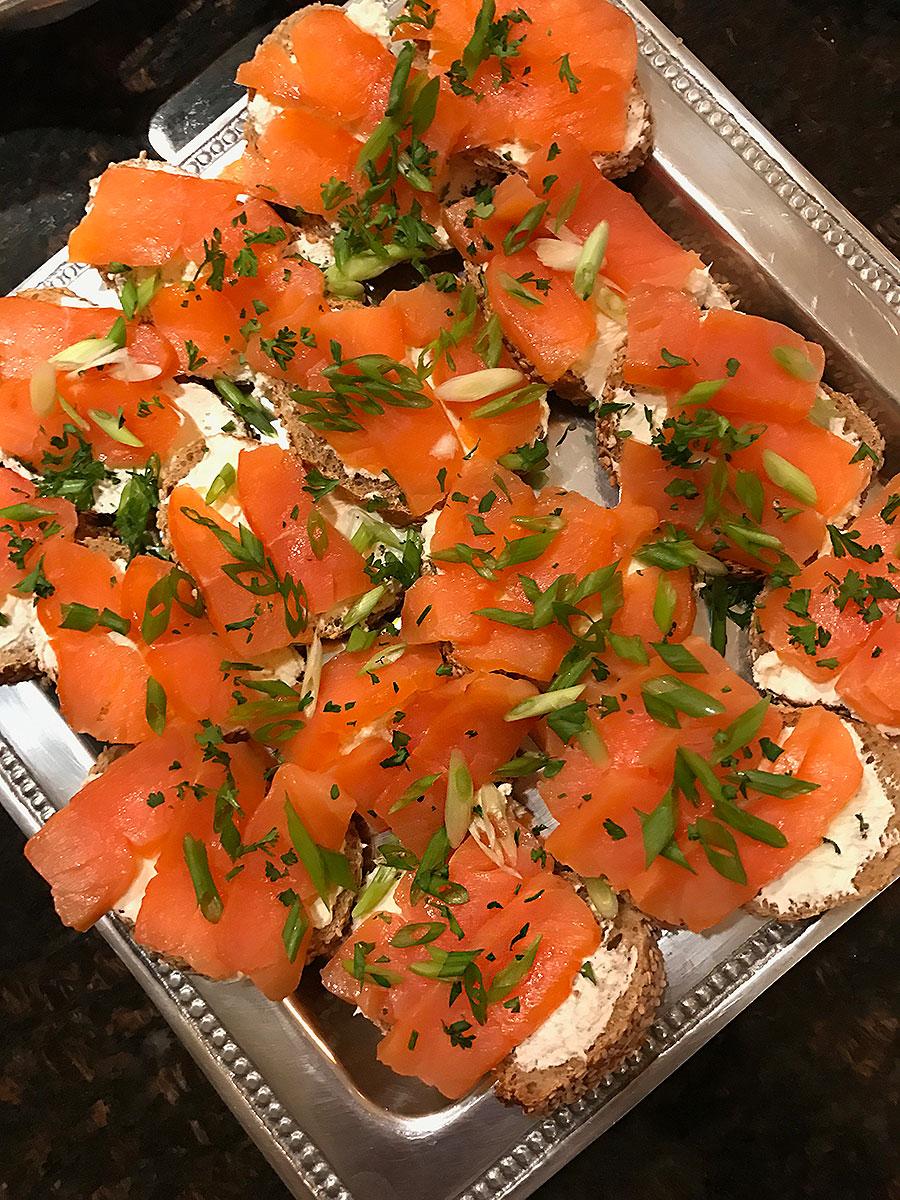 Veggie Plate, Smoked Salmon, Smoked Salmon Appetizers. appetizers, easy appetizers, holiday appetizers, thanksgiving appetizers